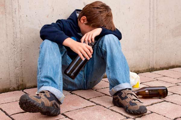 paaugliu-alkoholizmas-